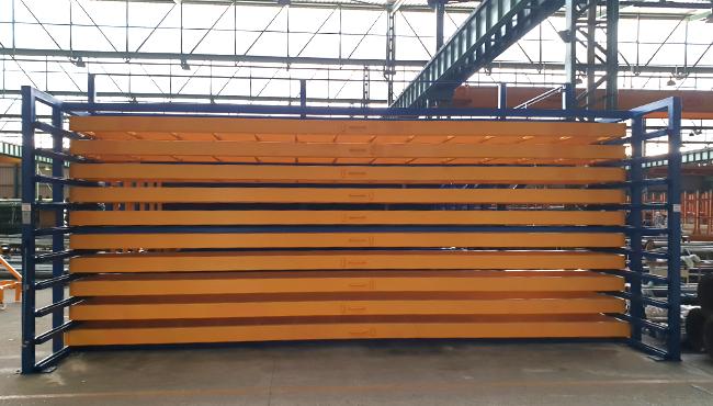 Vestiges d'entrepôt de matériaux métalliques